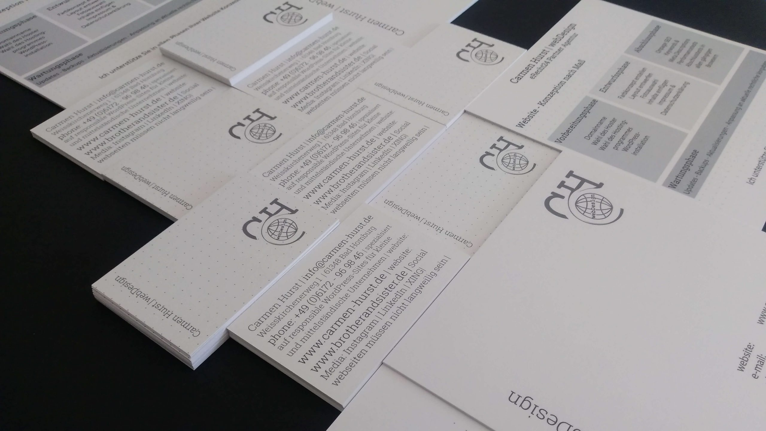 Visitenkarten und Infokarten von Carmen Hurst